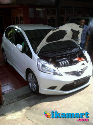 jual honda jazz rs 2010 white