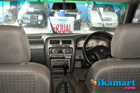 Dijual Mobil Nissan Terrano Spirit S2 MT 2004 - Terjual