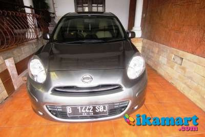jual nissan march 2011 silver manual