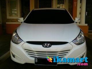 jual hyundai new tucson tahun 2011 bulan agustus warna putih matic