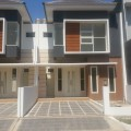 Rumah mewah Pagesangan baru Gayungsari 100m dari Masjid Agung
