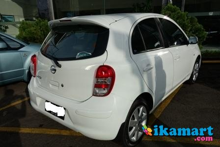 jual nissan march at 2011