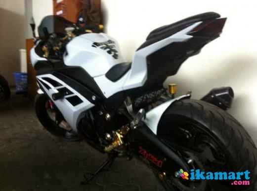 Modifikasi Ninja 250 Fi Warna Putih