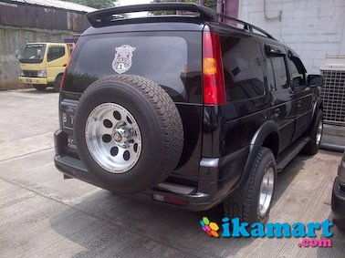 dijual ford everest 2.5 xlt 2004 at hitam full ors