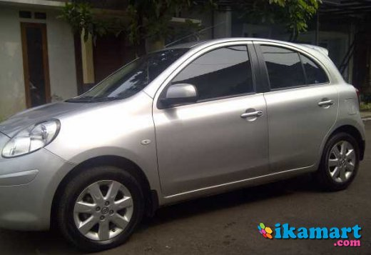 jual nissan march 2012 at silver