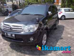jual fortuner 2010 hitam 2.5g at