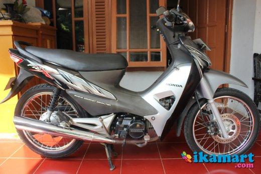 Jual Honda Supra Fit X 2008 Abu Hitam