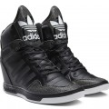 Sepatu Sneaker Wanita Adidas M Attitude Up