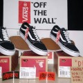 Vans Off The Wall Old Skool Black White Original BNIB