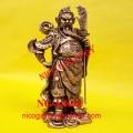 Patung Dewa Kwan Kong Berdiri Pegang Golok dan Jenggot
