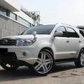 Toyota Fortuner TRD 2009 Putih Manual ( Modifikasi Keren Abissss)