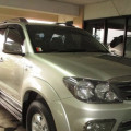 Toyota Fortuner Bensin AT 2005