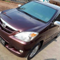 Daihatsu Xenia R merah maroon 2011 MT. komplit dan murah. jual cepat.