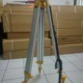 Alumunium Tripod// hub 082124100046
