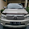 Toyota Fortuner G AT Diesel 2010 terawat Cash