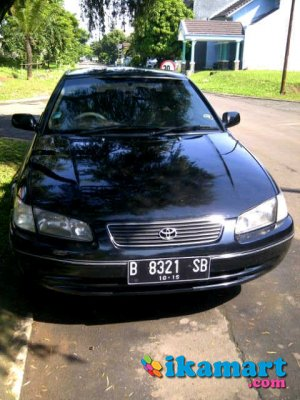 jual over credit toyota camry 2 2 glx thn 2000 hitam manual apik mobil. Black Bedroom Furniture Sets. Home Design Ideas