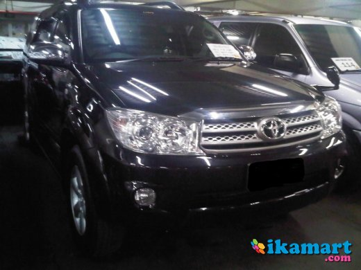 jual toyota fortuner type g lux 2.7 2009 automatic hitam