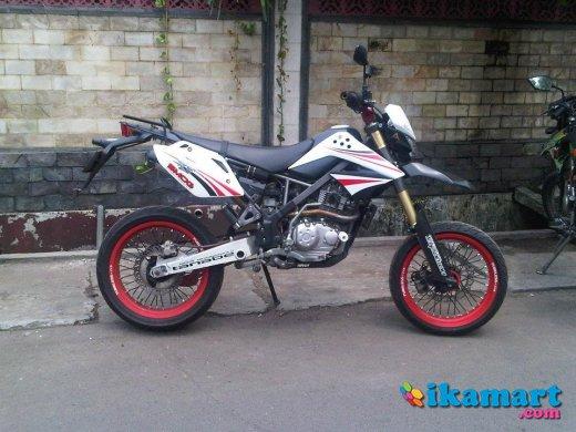 Kawasaki KLX / D'Tracker 150 SUPERMOTO - Motor Bekas Kawasaki KLX