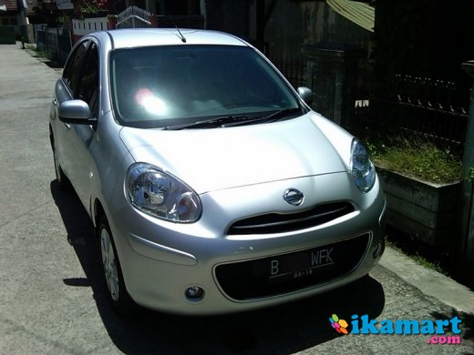jual nissan march silver 2011 manual foglamp
